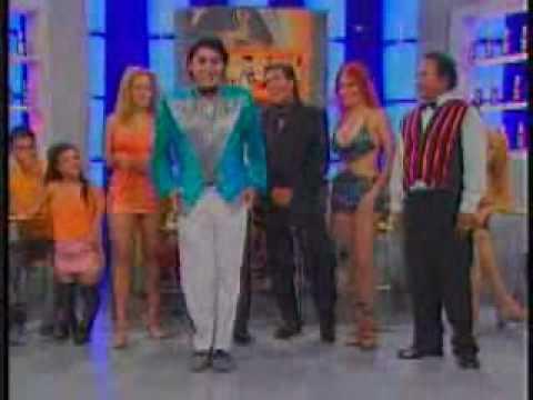 Arturo Alvarez imitando a Jimmy Santi