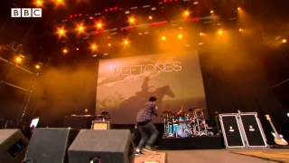 getlinkyoutube.com-Deftones - My Own Summer (Shove It) at Reading Festival 2013