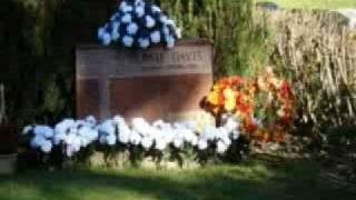 Ernie Davis Grave Site 10-10-2008-Rod Denson Video