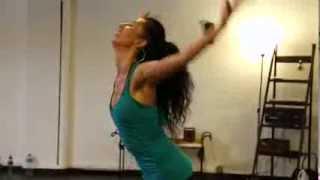 getlinkyoutube.com-Clase de Danza Africana con Sonia Sampayo. Para elMundo.es. Agosto 2013