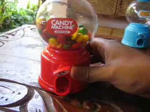 Hadiah ulang tahun|Candy machine and coin bank