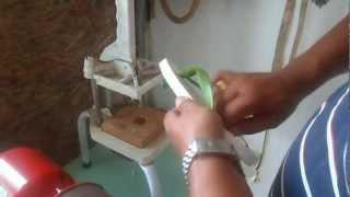 getlinkyoutube.com-A maquina de chinelos elétrica