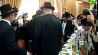 getlinkyoutube.com-וידאו משמחת בר מצווה לנכדו של מרן הגר''ע יוסף שליט''א