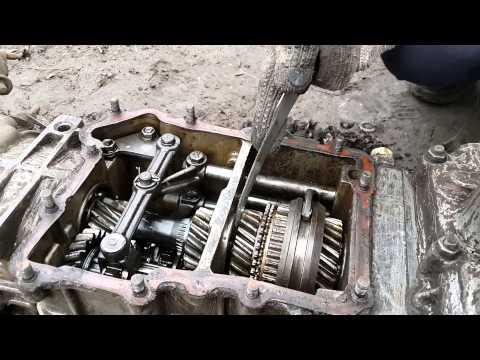 Расположение у ЗАЗ Запорожец щупа масла в двигателе