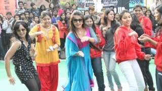 getlinkyoutube.com-Sapne Suhane Ladkpan Ke 1st year Celebration