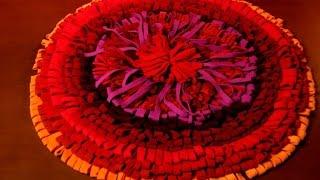 getlinkyoutube.com-Пушистый коврик своими руками из старых шарфов  часть -2