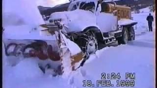 getlinkyoutube.com-Russische Oldtimer-Schneefräse Sil Snowblower Russenfräse