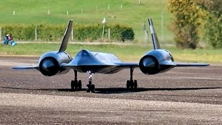 getlinkyoutube.com-LOCKHEED SR71 BLACKBIRD YF-12 GIGANTIC RC SCALE MODEL JET FLIGHT DISPLAY / RC Airshow Hausen 2015