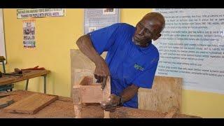 LIVE: Shuhudia Mlemavu wa Macho Anavyofanya Kazi za Uselemala
