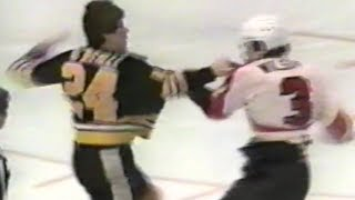 getlinkyoutube.com-Terry O'Reilly vs Behn Wilson Round 2 Mar 19, 1981