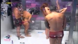 getlinkyoutube.com-Banho juntinhos 05.11.12