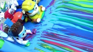 getlinkyoutube.com-Learn Colors Paw Patrol Bathtime Paint Slide with Peppa Pig Fingerpaint by Funtoys Disney Toy Review