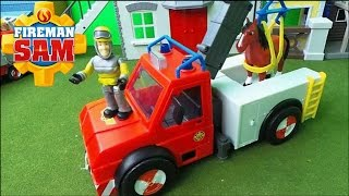 getlinkyoutube.com-Feuerwehrmann Fireman Sam SIMBA PHOENIX rescue Truck unboxing and new Henry the Horse Full Episode
