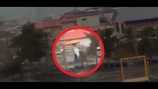getlinkyoutube.com-During Japan Tsunami a strange creature was caught on camera - real footage