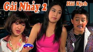 getlinkyoutube.com-Hai Gai Nhay 2 Kieu Oanh Anh Vu Thuy Nga Quoc Nam