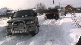 getlinkyoutube.com-Hummer H2 & MITSUBISHI PAJERO SPORT winter off road
