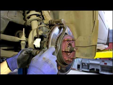 Замена передних тормозных дисков, колодок и суппорта Chevrolet TrailBlazer Шевроле Трейлблейзер 4,2