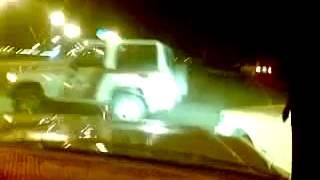 getlinkyoutube.com-شباب سعوديين يستهبلون على 3 دوريات ويطلعون عليها !