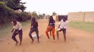 getlinkyoutube.com-Uganda's Sitya Loss ghetto kids honored