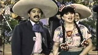 """getlinkyoutube.com-Classic Sesame Street- Linda Ronstadt sings """"Y Andale"""""""