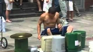 getlinkyoutube.com-Amazing Drummer Jalanan