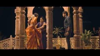 getlinkyoutube.com-Anushka Shetty Saree removed Hot in inji iduppazhagi / Size Zero - HQ