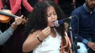 getlinkyoutube.com-طفلة تغني لأم كلثوم