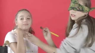 getlinkyoutube.com-Blindfolded Makeup Challenge with Maddie - Part 1!