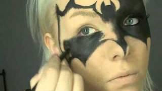 getlinkyoutube.com-Batwomen mask makeup 0001