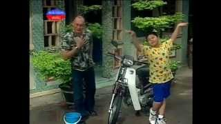 getlinkyoutube.com-Hai Con Nuoi Ga Trong (Duy Phuong, Duy Phuoc)