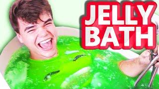 getlinkyoutube.com-EXTREME JELLY BATH CHALLENGE!