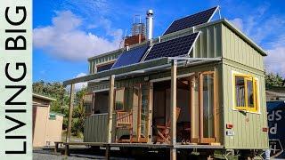 getlinkyoutube.com-Super High Spec Professionally Built Tiny House