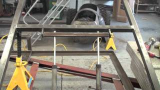 getlinkyoutube.com-fitting the hydraulic rams on the trailer