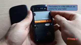getlinkyoutube.com-Blackberry Torch 9800: Removing backside/battery/SIM/SD-card