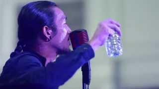 getlinkyoutube.com-Nake and the city : 'Bodyslam' และ 'ป๋าเต็ด' จัดคอนเสิร์ตกลางสถานีรถไฟหัวลำโพง 2 ก.ย. 57 (3/4)