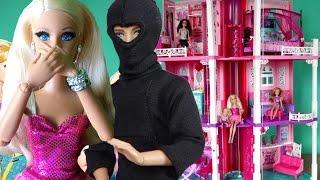 getlinkyoutube.com-Барби 2017 все серии подряд грабитель ворвался в дом Барби, Кела похители инопланетяне