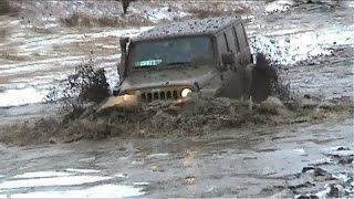 getlinkyoutube.com-Jeep Wrangler Unlimited Sahara extreme offroad by Top Đir