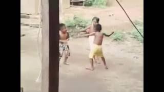 Anak Kecil Joget Lucu Ngakak Abis