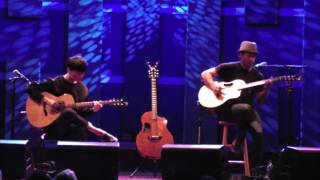 getlinkyoutube.com-(U2) With or Without You - Sungha Jung and Trace Bundy (live)