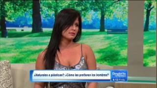 getlinkyoutube.com-Johanna Maldonado egy reggeli beszélgetős műsorban mutatja meg a bomba idomait