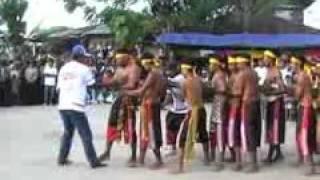 getlinkyoutube.com-ATRAKSI BAMBU GILA (Morella 2009).flv