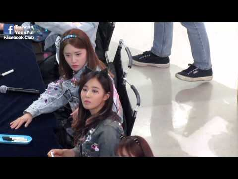 [FANCAM]130126 SNSD Signing event YoonYul moment by YYFB