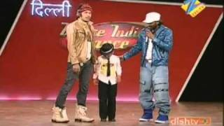 getlinkyoutube.com-Tribute to Junior Michael Jackson 2010   Awesome lil kid performing Dangerous    YouTube@
