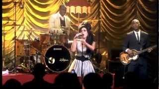 getlinkyoutube.com-[HD] Adele vs. Amy Winehouse - Live Vocal Battle (G4 - D5)