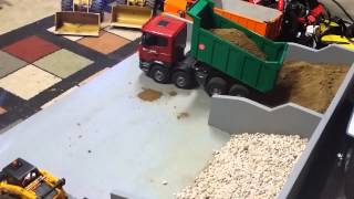 getlinkyoutube.com-Bruder Scania RC Dump truck
