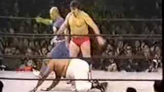 getlinkyoutube.com-Billy Robinson Vs. Abdullah the Butcher (12-9-76)