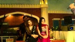 getlinkyoutube.com-Nabila and Asima Dancer Bahrain