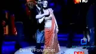 "getlinkyoutube.com-Gurmeet and Sanaya Performing on ""I Love You"""