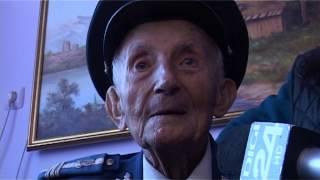 getlinkyoutube.com-cel mai batran jandarm: pantea craciun, la 105 ani!