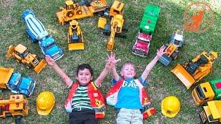 getlinkyoutube.com-Bruder Toy Trucks for Children - Backhoe Excavators, Dump Trucks, Garbage Trucks & Fire Engine